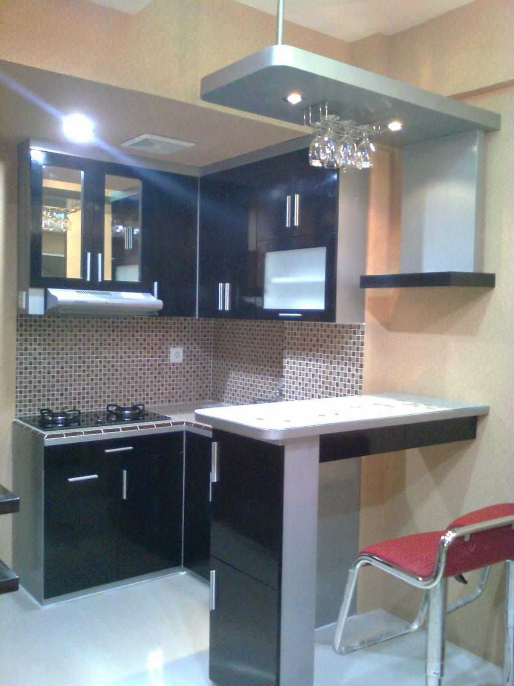Modern kitchens in small apartments. The minimum set of furniture ...